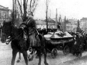 Перепоховання загиблих під Крутами на Аскольдовій могилі