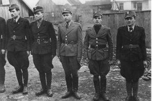 Члени Карпатської Січі в строю. Другий зліва Олександр Блестів («Гайдамака»). Лютий-перша половина березня 1939 р. Хуст