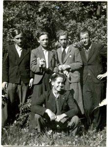 1942 р., хімічна школа