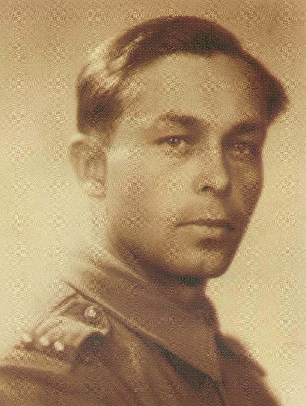 Василь Піпаш поручник чехословацької армії. Прага, травень 1945 року