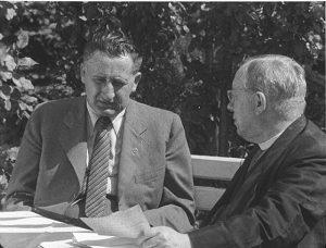 Міністр оборони Карпатської України Степан Клочурак (ліворуч) разом із президентом Карпатської України Августином Волошиним