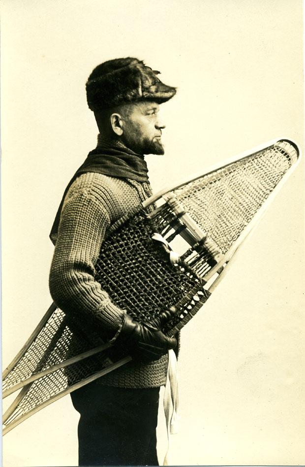 Іван Боберський зі снігоступами (Вінніпег, Манітоба, Канада, 1932)