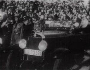 Стоп-кадри з унікального архівного відео 1930 року , на якому живий митрополит УГКЦ Андрей Шептицький