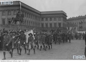 Скаути російської еміграції на параді польського Товариства військової підготовки у Варшаві, 20.05.1933
