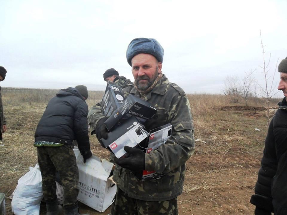 Під час передачі допомоги воякам АТО