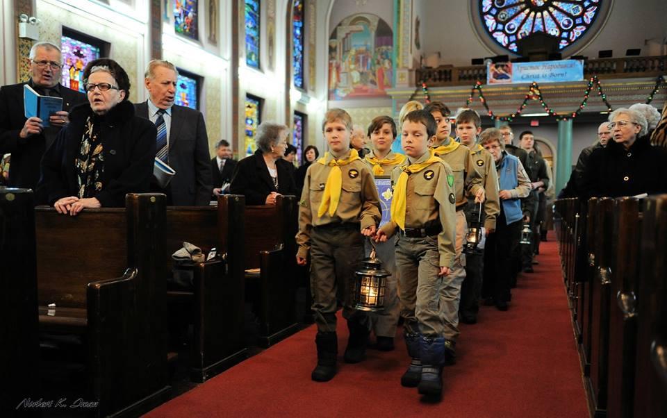 Вифлиємський вогонь миру прибув до Вінніпеґу (Канада) - Катедра Свв. Володимира й Ольги