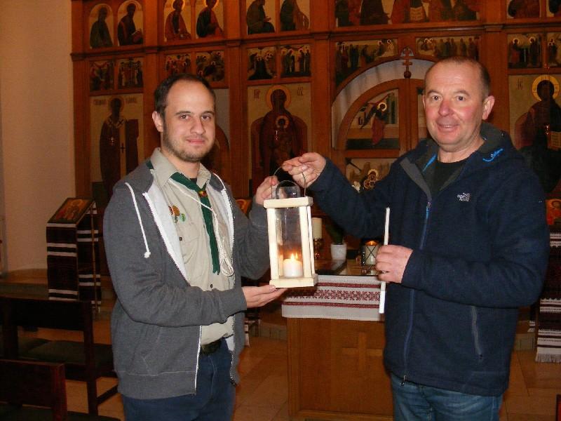 Gластуни вперше передали Вифлеємський вогонь миру українській громаді Бельгії, Генк