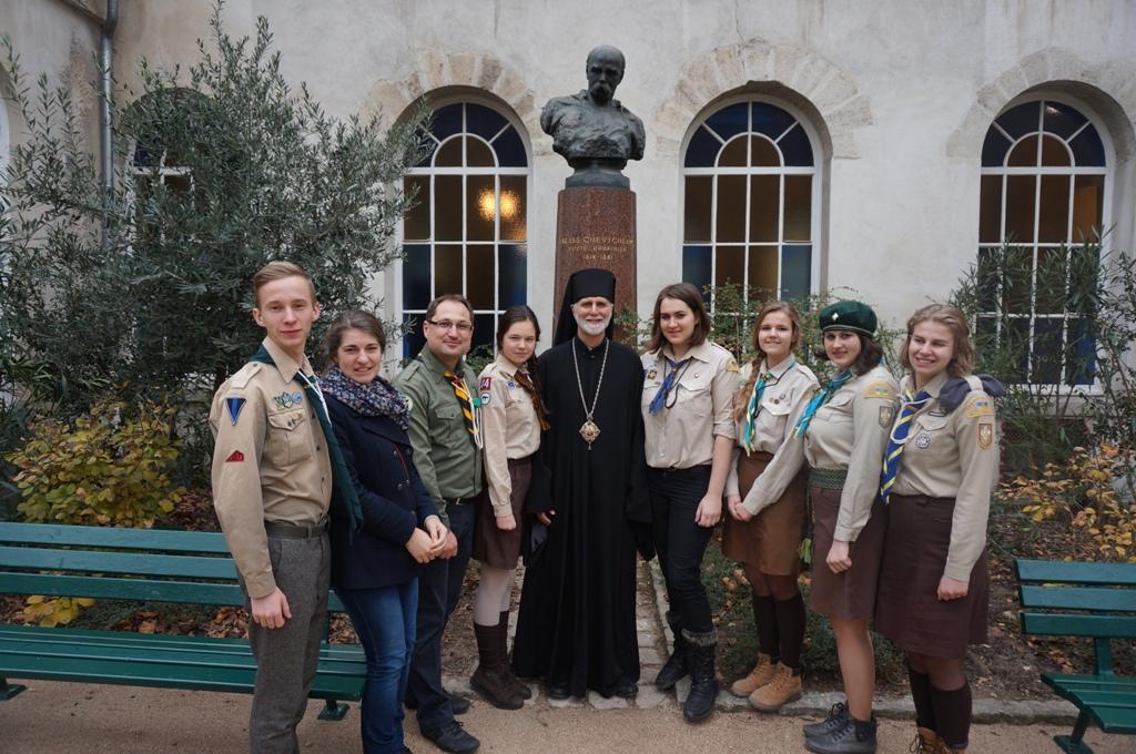 Передача Вифлеємського Вогню Миру українцям Франції, Париж, 21 грудня 2014