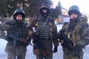 Бонгдан Братасюк з бойовими побратимами