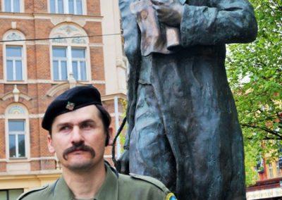 Ст.пл. Микола Бігус, ОЗО, біля пам`ятника Т. Шевченка, 25 квітня 2015