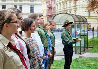 Перед складанням Пластової Присяги Біля пам`ятника Т. Шевченка, 25 квітня 2015