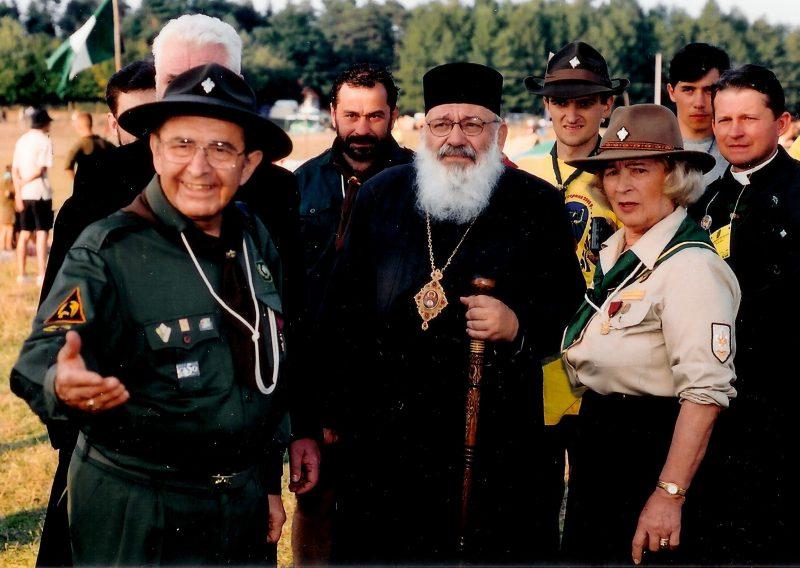 Кир Любомир відвідує пластовий табір під час ЮМПЗ, Свірж, 2002