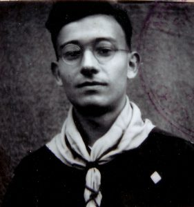 Любомир Гузар з однострої пластуна юнака