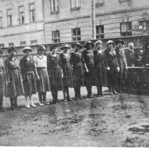 Провідниці пластового полка ім. Орисі Завісної, Коломия, 1923