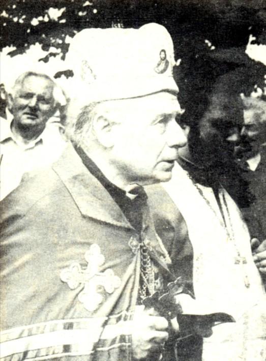 Колишній в'язень мадярської катівні єпископ Іван Маргітич.Мукачево, 4 липня 1992 року