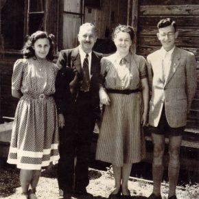 Крайній праворуч Любомир Гузар, 1949
