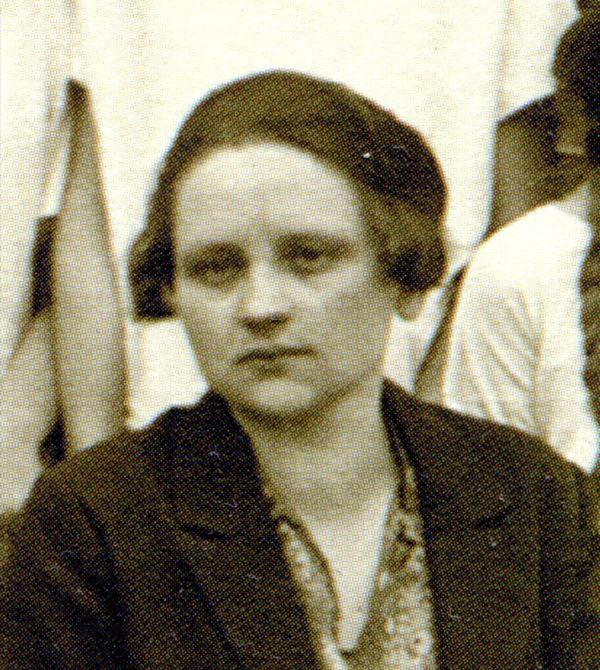 Лежогубська Ірина-Олена, членка перших пластових гуртків