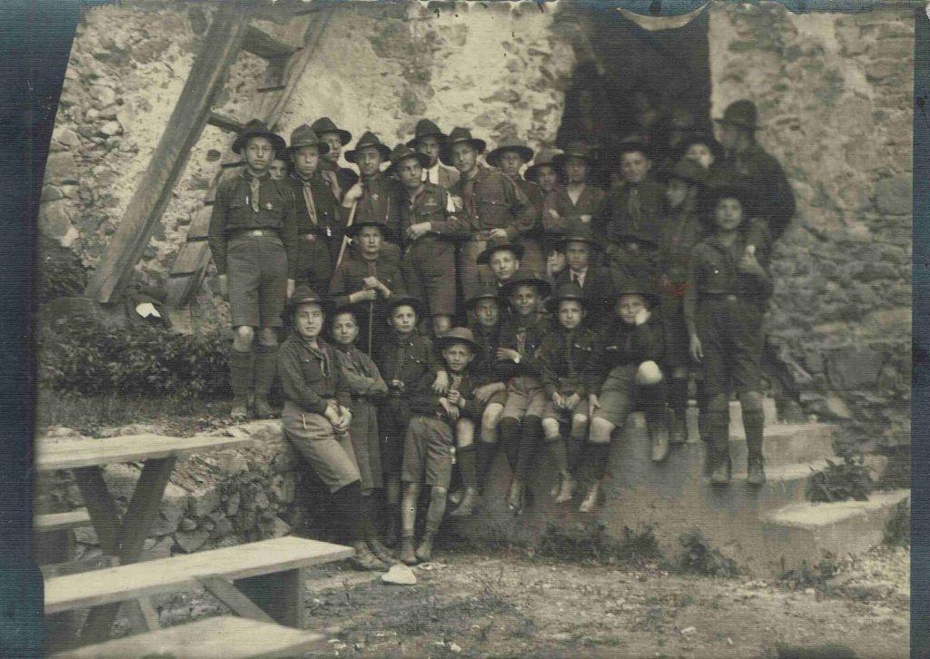Закарпатські пластуни, йомвірно - ужгородські, 1920-ті роки, фото з Пластового музею у Клівленді