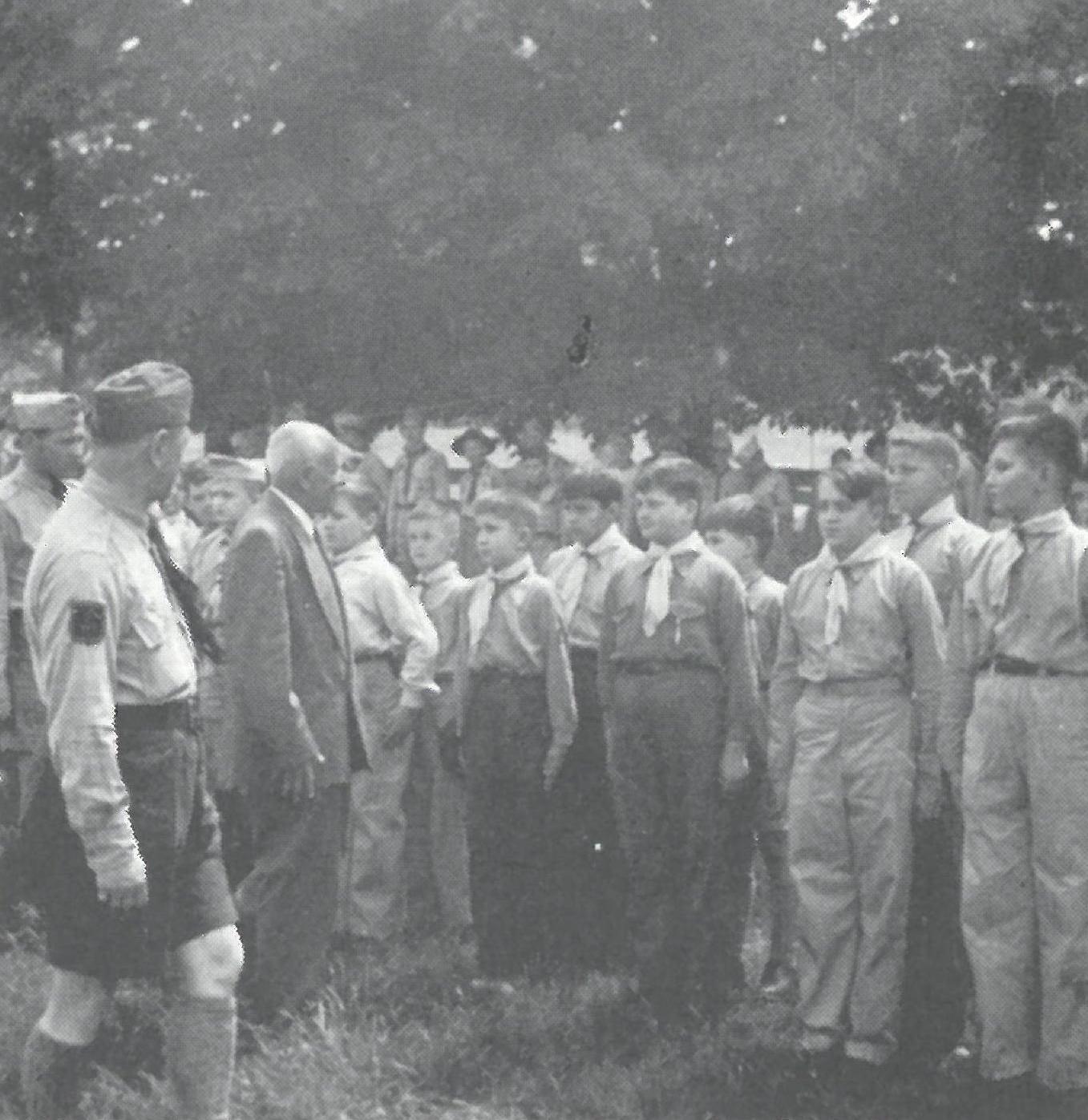Відвідини Начального Пластуна Сірого Лева на Вовчу Тропу, СЮ 1953 р.