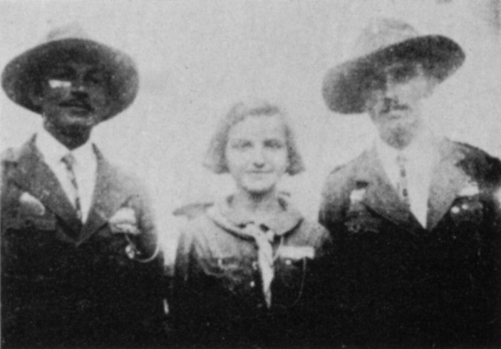 Юрій Грім та Евген Горішок у Гуцульському таборі 1934 з кур. Алісою Ґренджа-Донською